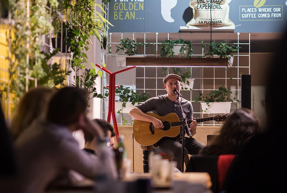 Josh Oudendijk live at Golden Bean coffee shop - Esch sur Alzette